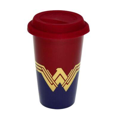 Wonder Woman úti bögre